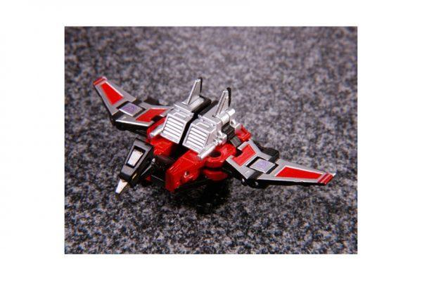 Transformers Masterpiece MP-13 Sound Wave 08